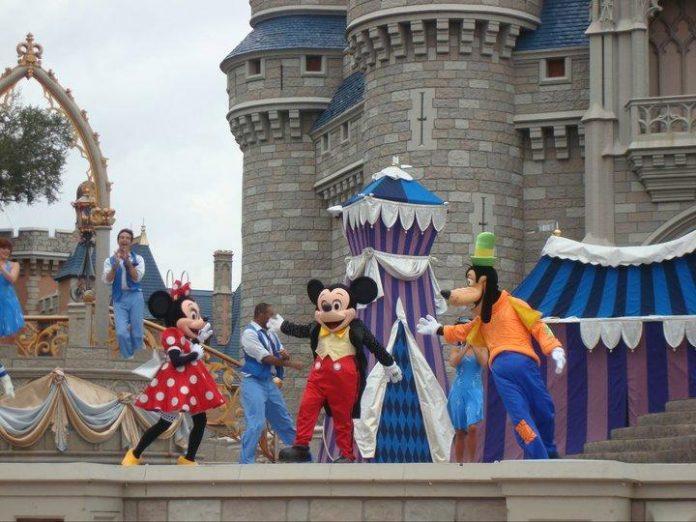 Disney vai suspender salários de mais de 100 mil empregados devido ao coronavírus