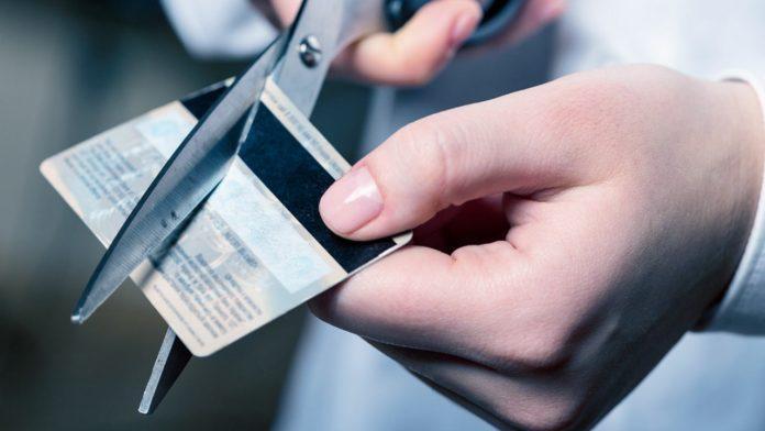 3 direitos ao cancelar o seu cartão de crédito